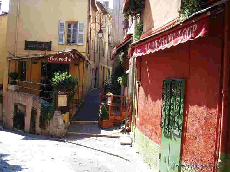 old street le Suquet, Cannes
